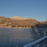 Lac d'hiver sans glace